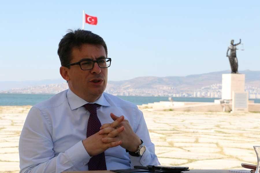 Trabzon'a sürgün edilen hakim Aydın Belediye Başkan Aday Adayı oldu