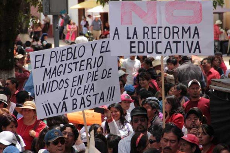 MEKSİKA'DAKİ EĞİTİMCİLERİN DİRENİŞİ