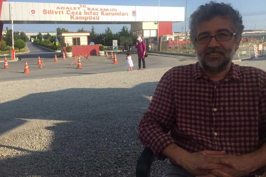 Gazeteci Erol Önderoğlu'ya İfade Özgürlüğü Ödülü verildi