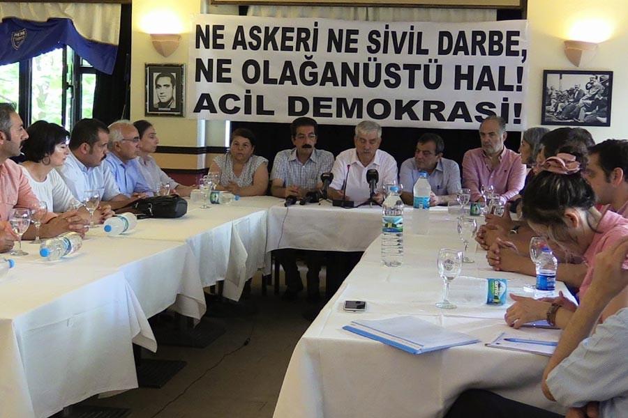 NE DARBE NE OHAL<br>ACİL DEMOKRASİ