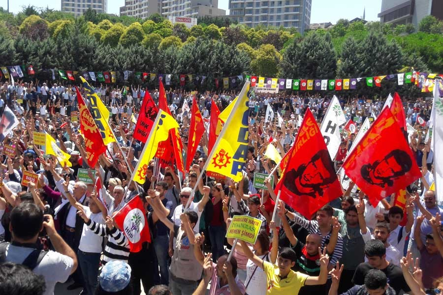 HDP'DEN 'DARBELERE HAYIR' MİTİNGİ