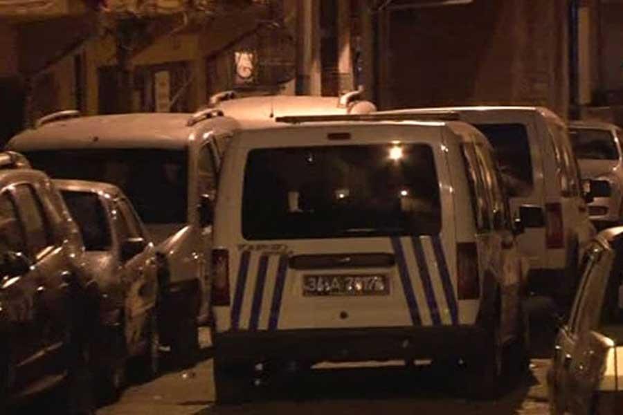 İstanbul'da polis birçok mahallede ev baskınları yaptı