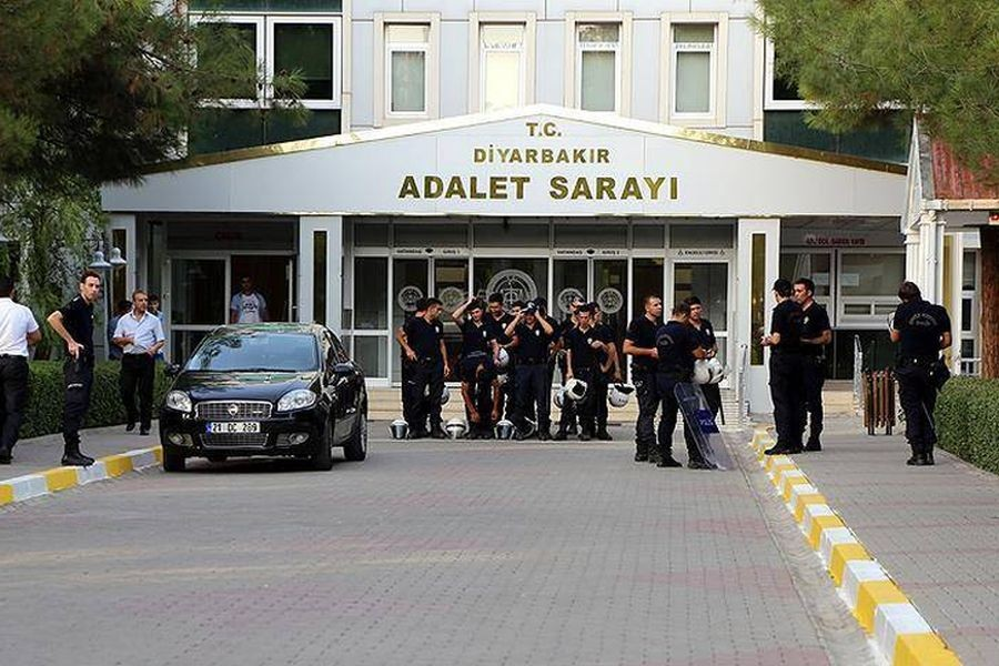 diyarbakir adliyesi nde operasyon en