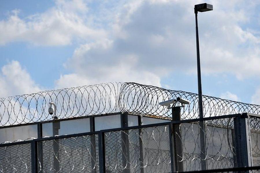 Cezaevlerindeki intiharlar Adalet Bakanı'na soruldu