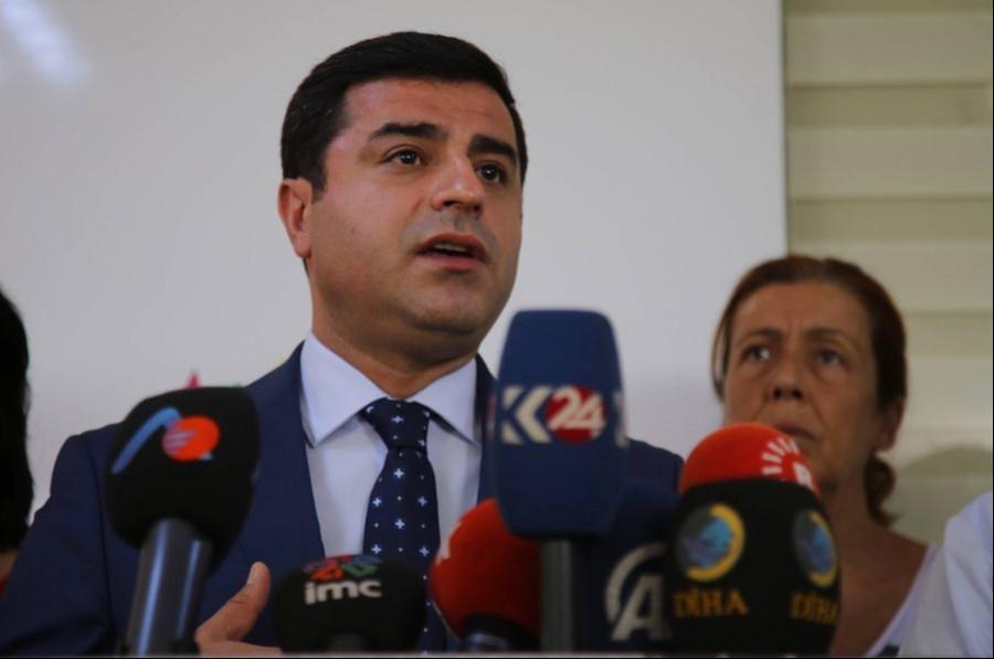 Demirtaş'a, 'Hükümeti alenen aşağılamaktan' dava açıldı