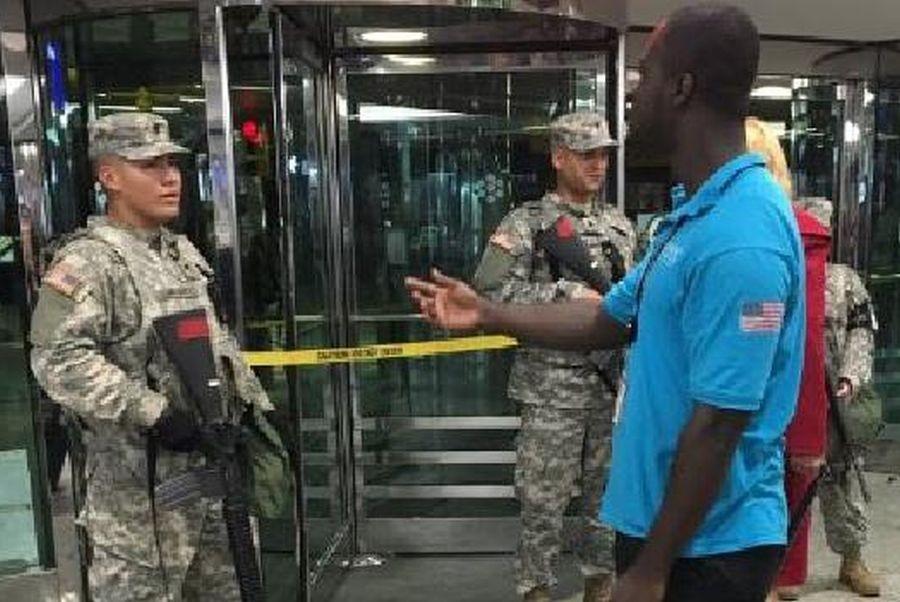 New York La Guardia havalimanında şüpheli araç