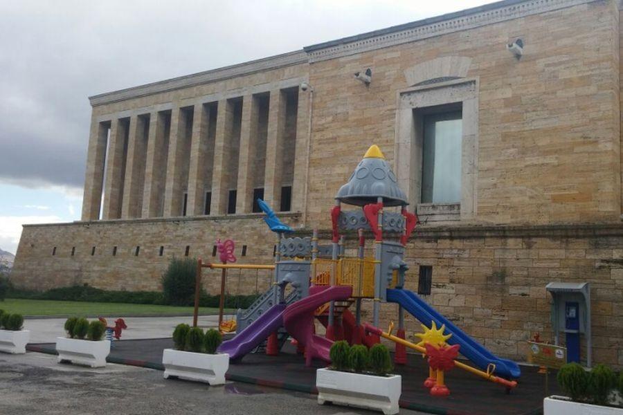 Anıtkabir'e çocuk parkı yaptılar