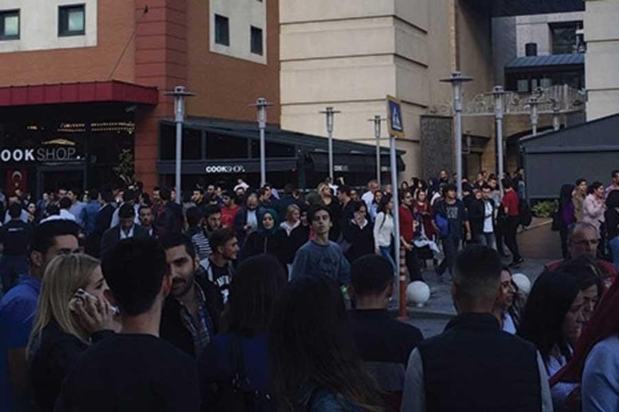 Acil durum alarmı verilen Forum İstanbul'da durum normal