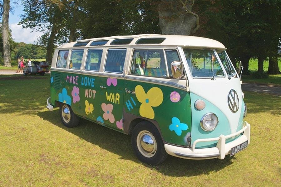 Hippi karavanın elektriklisi geliyor