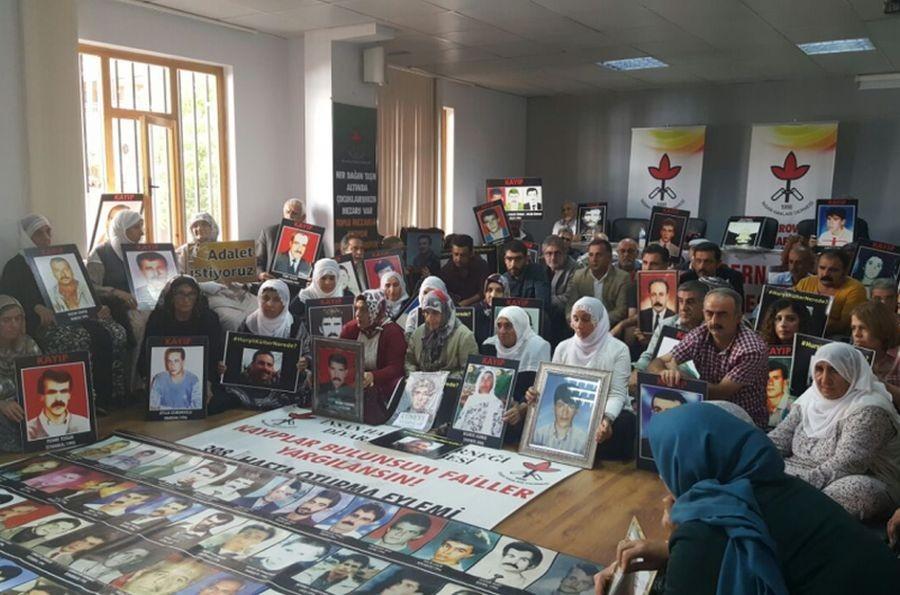 Diyarbakır'da Cumartesi Anneleri 398. kez bir araya geldi