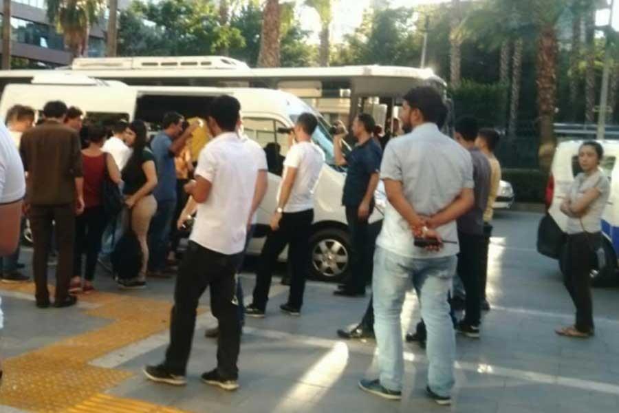 Adana'da Komünist Parti üyesi 10 kişi gözaltına alındı