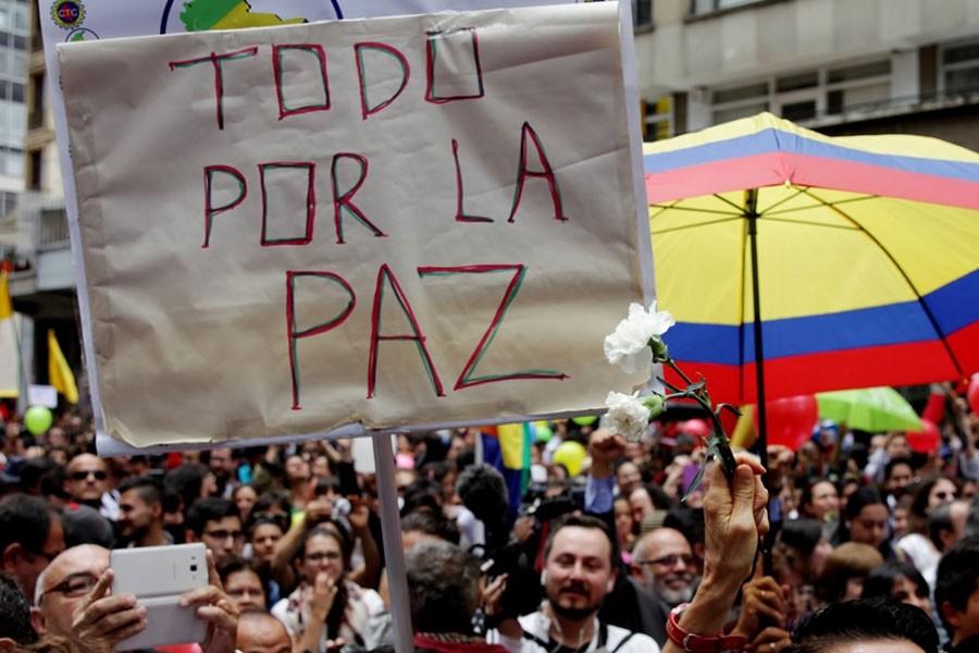 Kolombiya'da yeni barış anlaşması için girişimler başladı