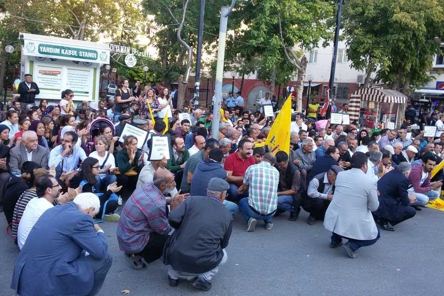 Adıyaman'da öğretmenlerin açığa alınması protesto edildi