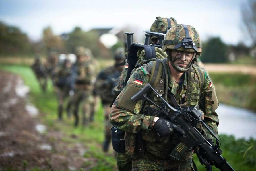 Savaşçı politikalar devrede