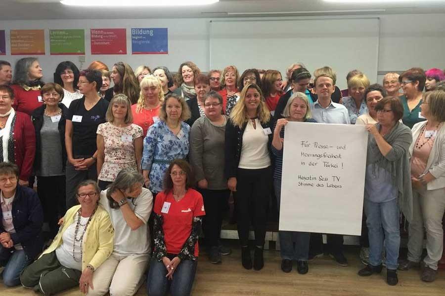 Almanya'daki kadın işçilerden Hayatın Sesi ile dayanışma