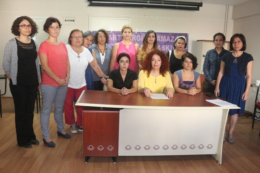 İzmir'de 8 Mart metnini okuyan Kocaaslan'a ceza verildi