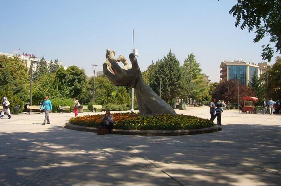 Abdi İpekçi Parkı'nda eylem yapmak yasaklandı