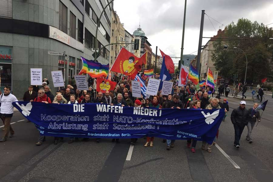 Berlin'de savaşa karşı gösteri