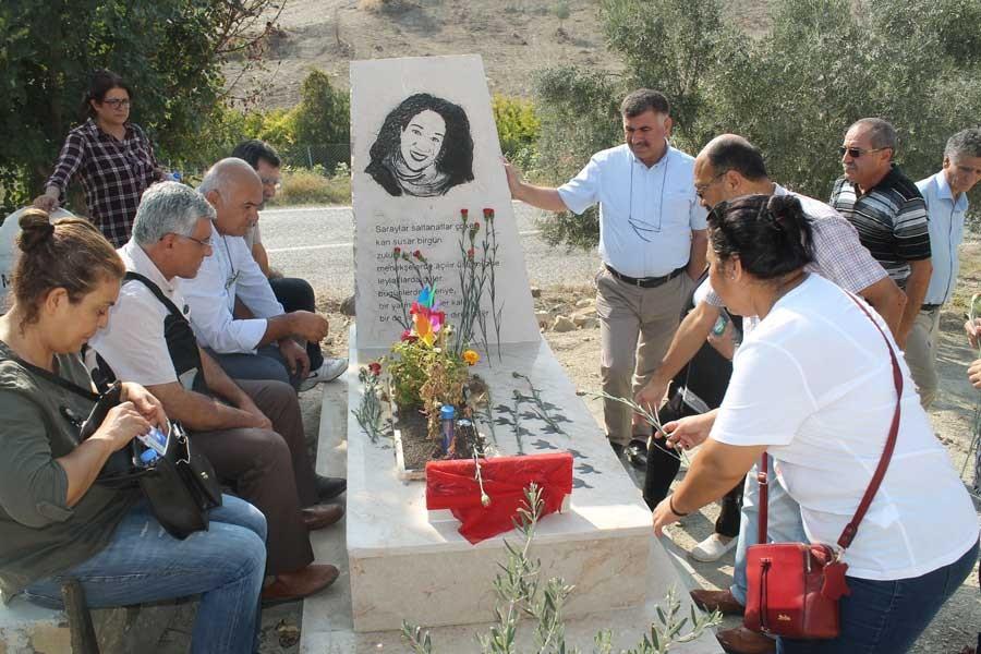 Ankara katliamında hayatını kaybedenler Adana'da anıldı