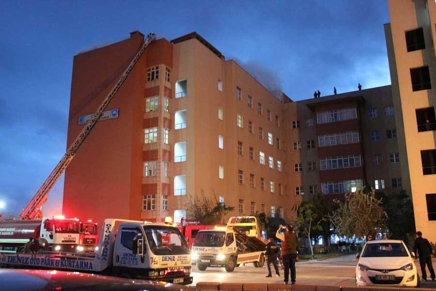 Bandırma Devlet Hastanesi'nde yangın paniği