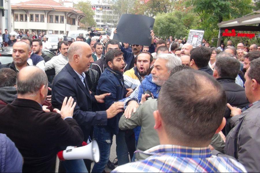 Bursa'da muhabirimize gözaltı girişimi