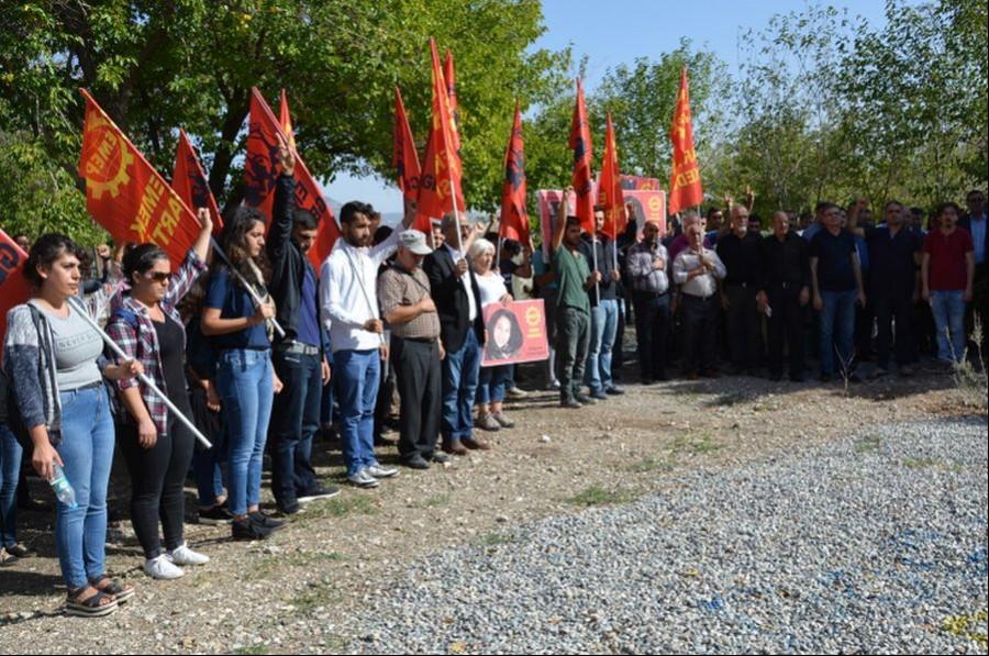 Antep'te 10 Ekim anması Ali Deniz'in mezarı başında yapıldı