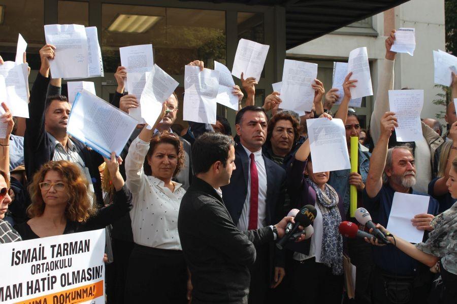 Milli Eğitim Müdürlüğü önünde 'Projeniz olmayacağız' tepkisi