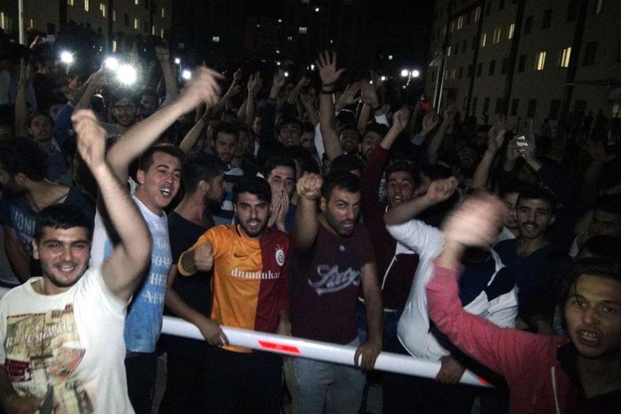 Elazığ'da öğrenciler yurt yönetimini protesto etti