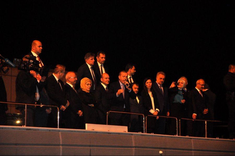 Erdoğan: Bir adam gibi ölmek var bir de madam gibi...