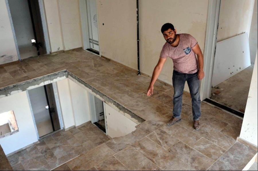 Apartman boşluğuna düşen inşaat işçisi yaşamını yitirdi