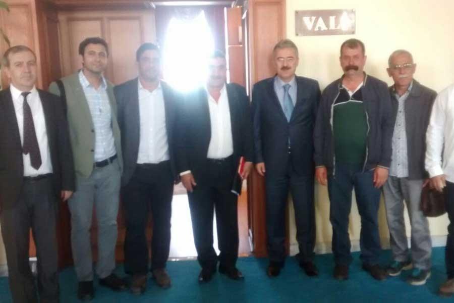KESK, İzmir valisi ile kamu emekçilerini görüştü
