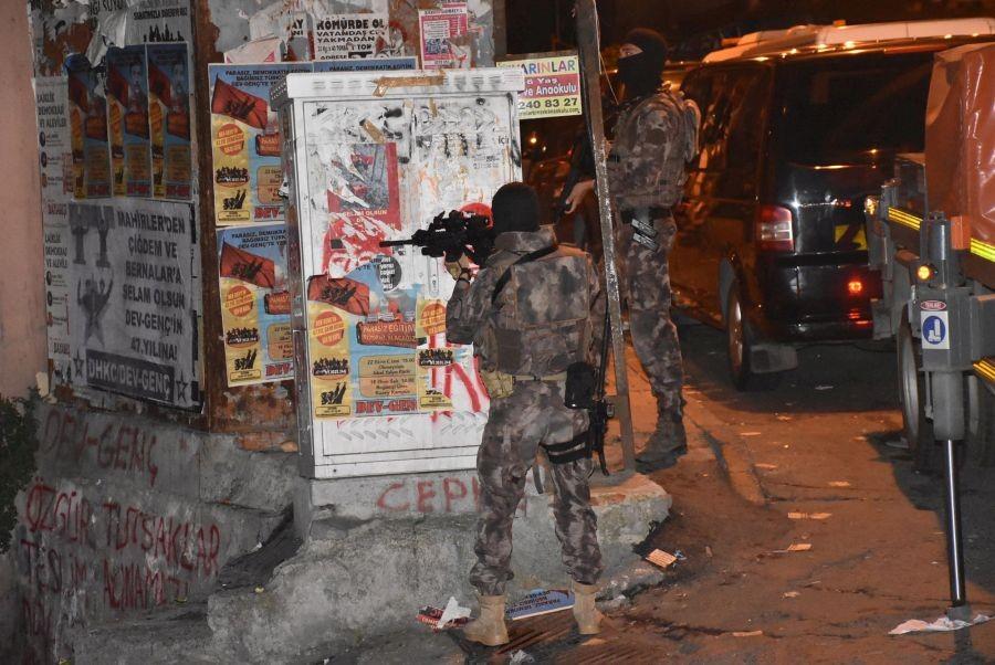Gençlik Federasyonu Derneği binasına polis baskını