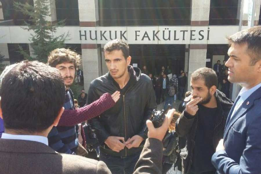 Kocaeli Üniversitesi'nde muhalif sesler susturuluyor
