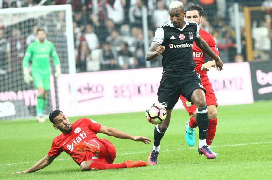 Beşiktaş, Antalyaspor'u 3 golle geçti