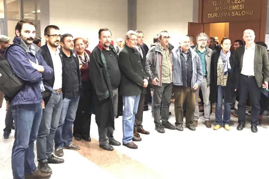 Özgür Gündem 'nöbetçileri'nin davaları 24 Ocak'a ertelendi