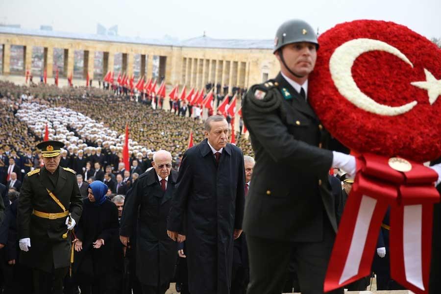 Başkent'te 29 Ekim törenleri Anıtkabir'de başladı