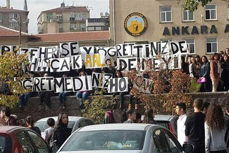 Atatürk Lisesi'nde öğretmenlere veda