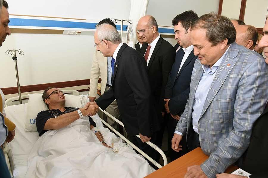 Kılıçdaroğlu, saldırıya uğrayan Tezcan'ı ziyaret etti
