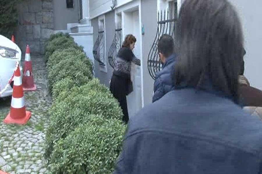 Cumhuriyet Yazarı Can Dündar'ın evinde arama yapıldı