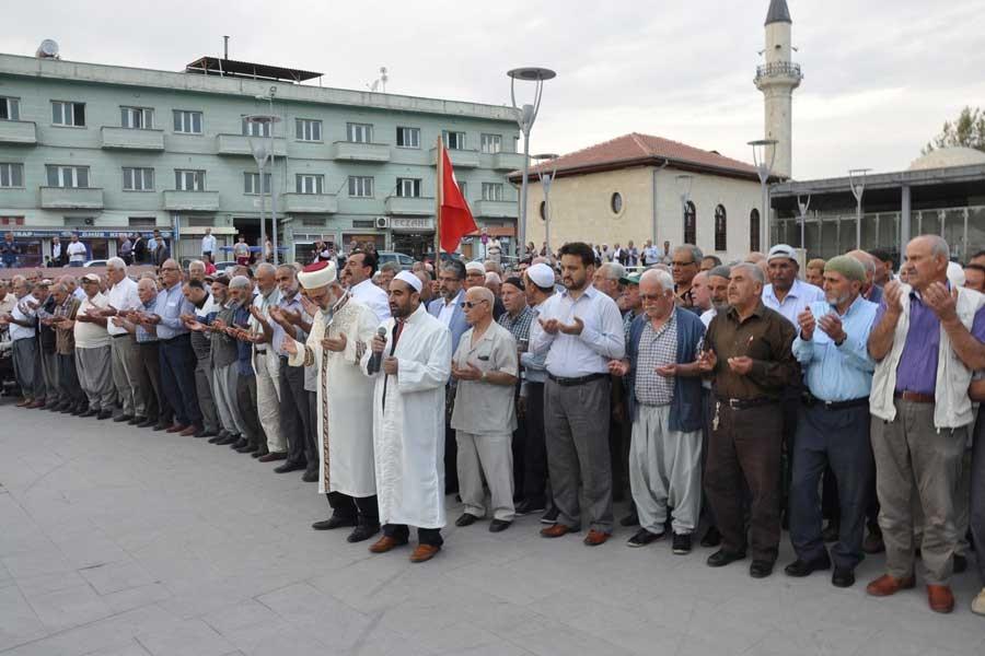 Tarsus'ta müftülükten 'yağmur duası'!