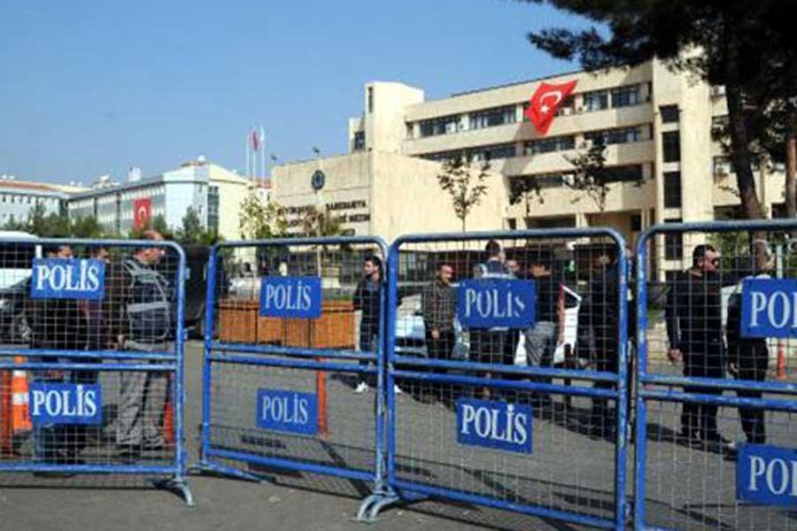 Kayyım, Diyarbakır Büyükşehir Belediyesine geldi