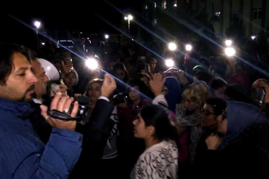 Elazığ'da yurtta kalan öğrencilerden eylem