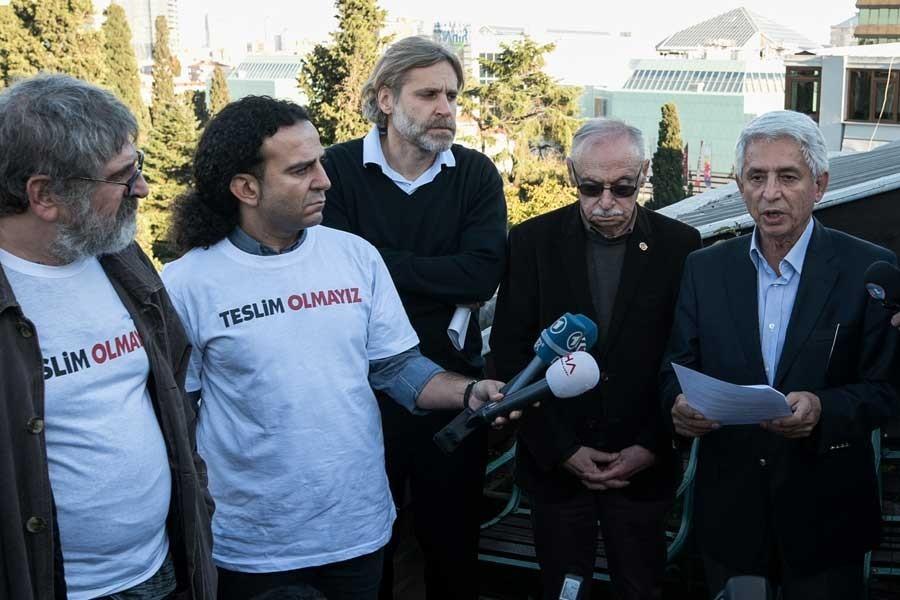 Cumhuriyet'in avukatı: Savcının sanık olduğu dava düşmüştür