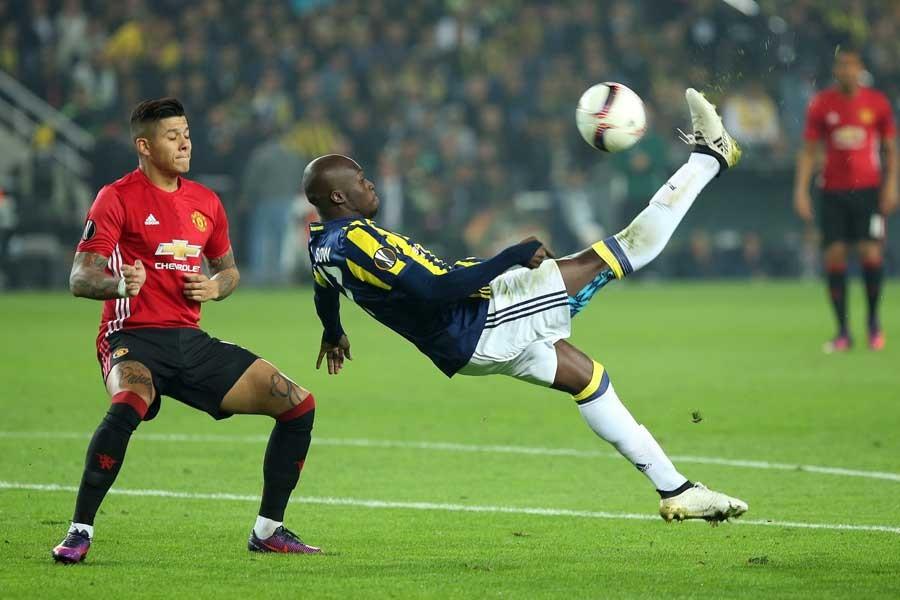 Fenerbahçe, Manchester United'ı 2-1 yendi