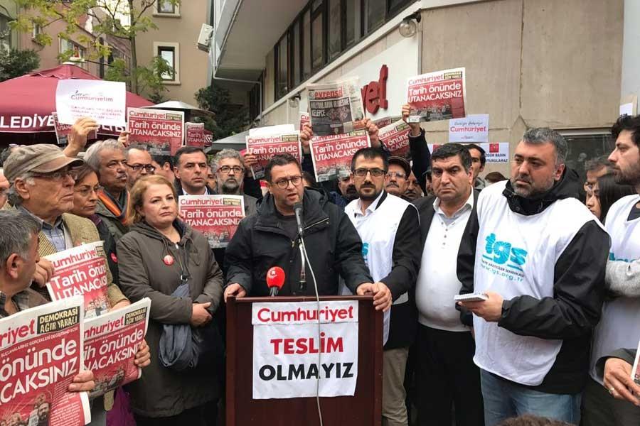 Basın meslek örgütleri Cumhuriyet önünde nöbeti sürdürüyor