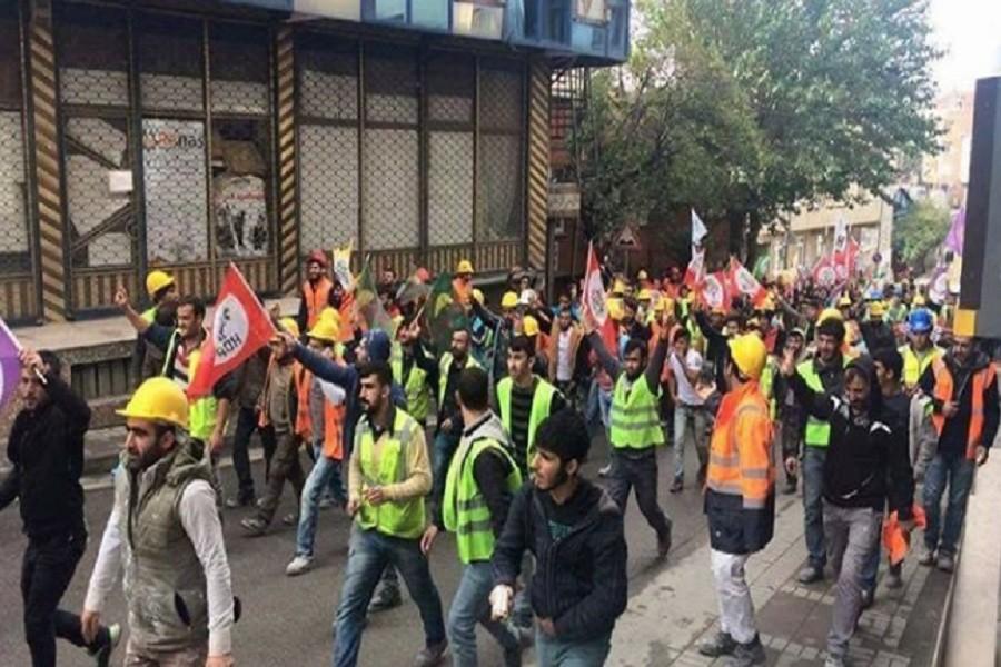 İnşaat işçileri HDP'lilerin tutuklanmasını protesto etti