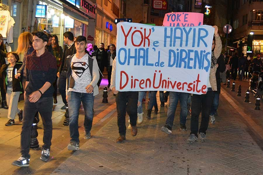 Kadıköy'de YÖK protestosu