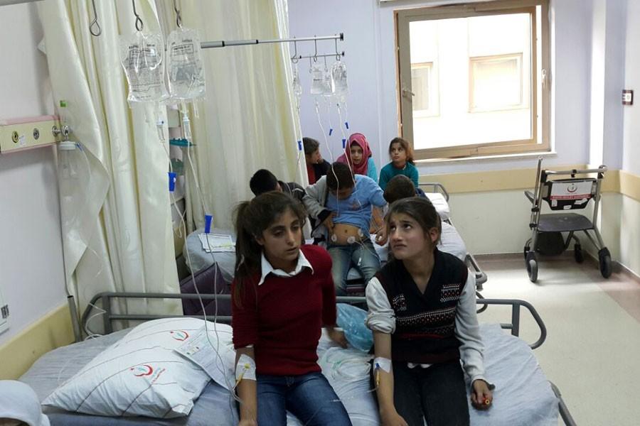 Sincik'te 65 öğrenci okulda yemekten zehirlendi