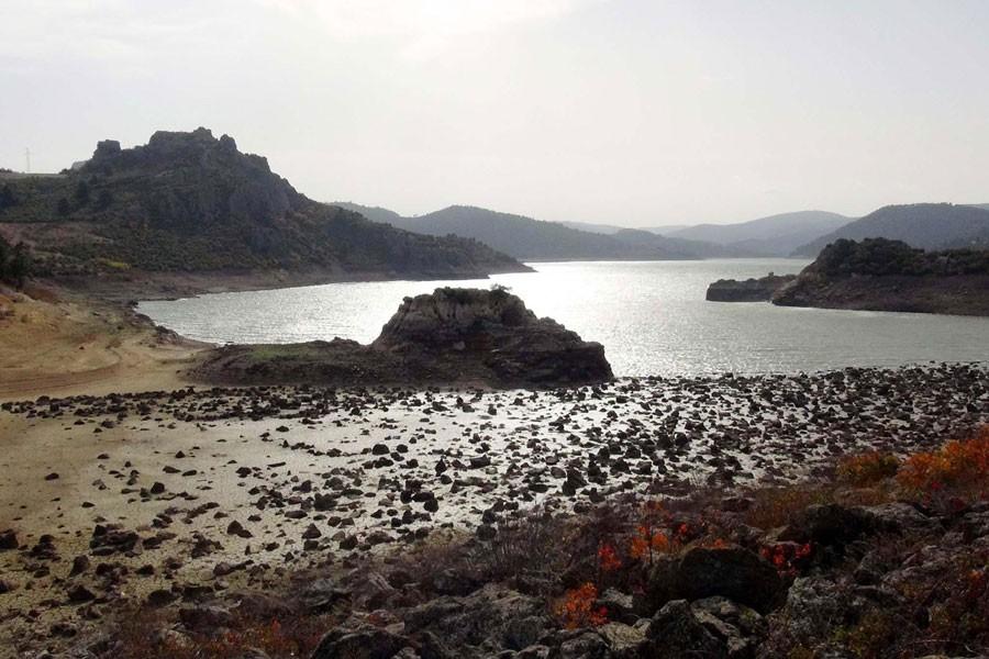 Çanakkale'de boşalan barajlarda çöl görüntüsü