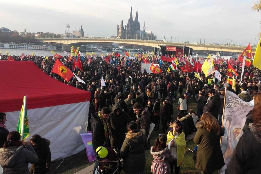 Köln polisinden NAV-DEM'e gösteri yasağı
